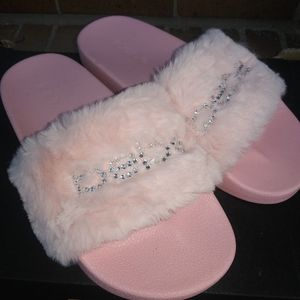 🆕Bebe | Furry Sequin Pink Slides Size 9